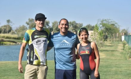 Joaquín Pereda y Fernanda Arguijo, ganadores del Triatlón Altozano en Torreón, Coahuila.