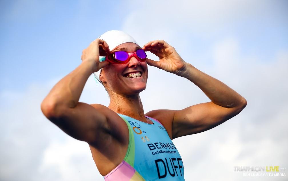Gana Flora Duffy Test Olímpico tras descalificación de triatletas británicas