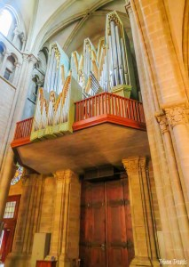 Pipe Organ in St Pierre Cathedral Geneva