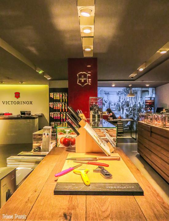 Swiss Army Knife Assembly with Victorinox Geneva