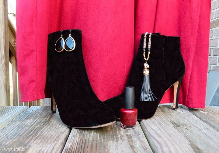 Holiday Favorites Party Dress Accessories