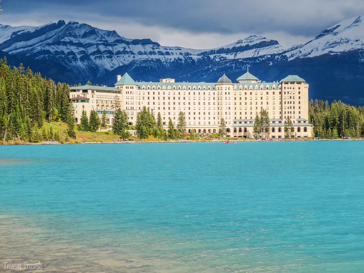 hotels lake louise canada