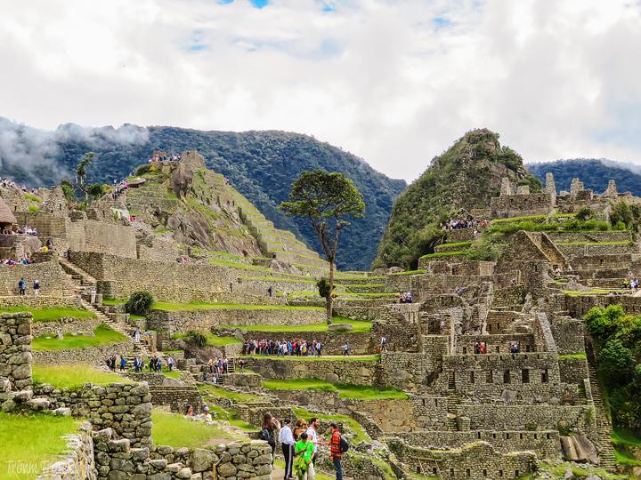 different stone structures in machu picchu peru