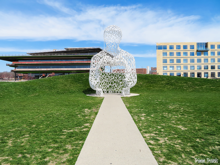 Surprise! Figuratively, I didn't see Des Moines coming. Discover why I call it the darkhorse and learn about all the fun things to do in Des Moines, Iowa! #desmoines #iowa #midwest #attractions #usa #food #foodie #restaurants #hotels #accommodations #thingstodo #travel #destinations