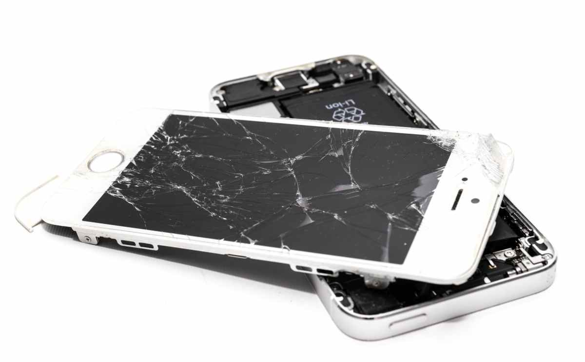 wrecked iphone