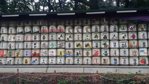 Many many sake barrels