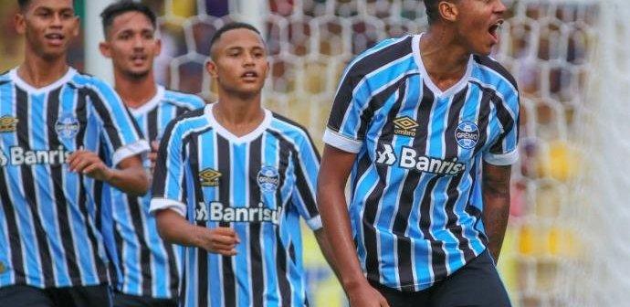 Grêmio goleia e avança para as quartas de final da Copa SP