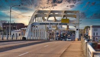 Eddum Pettus Bridge