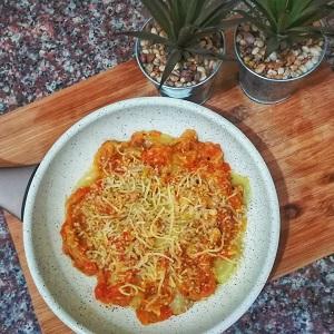 papas con salsa de tomate