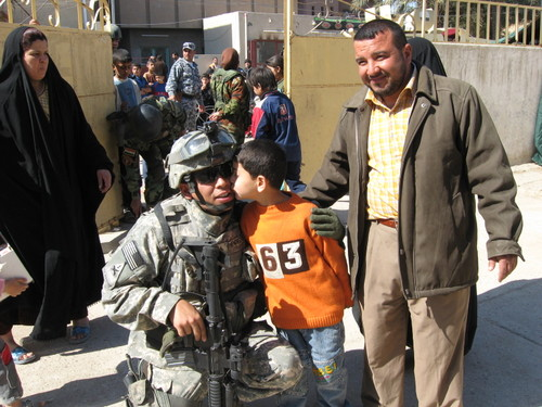 Kenny_and_iraqi_boy