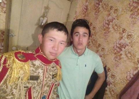Казахские дембеля возвращаются домой (16 фото)