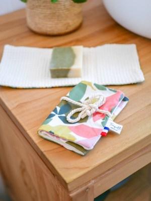 Pochette à savon en coton enduit, coloris Feuilles - Trinquette Artisanat