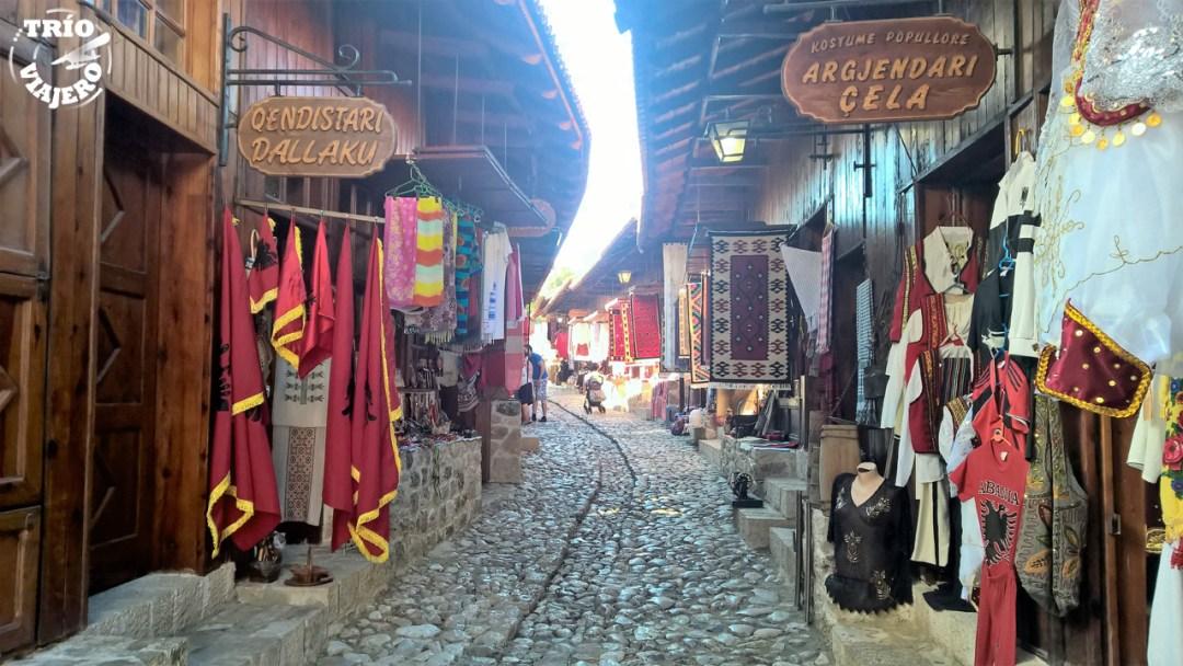 Calle comercial de Kruja