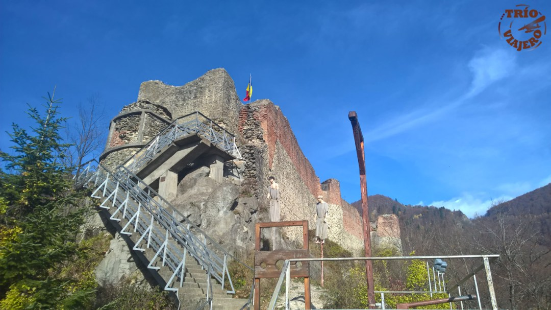 Trio Viajero - Rumanía - Valaquia - Castillo Poenari