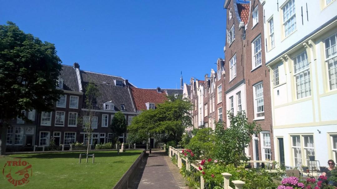 Het Begijnhof (Amsterdam - Países Bajos - Europa) ⋆ Trio Viajero