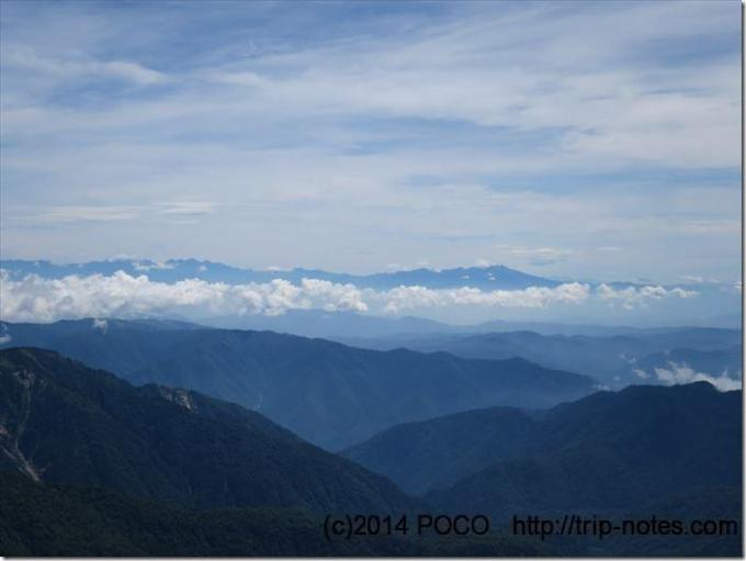 御前峰から北アルプス方面