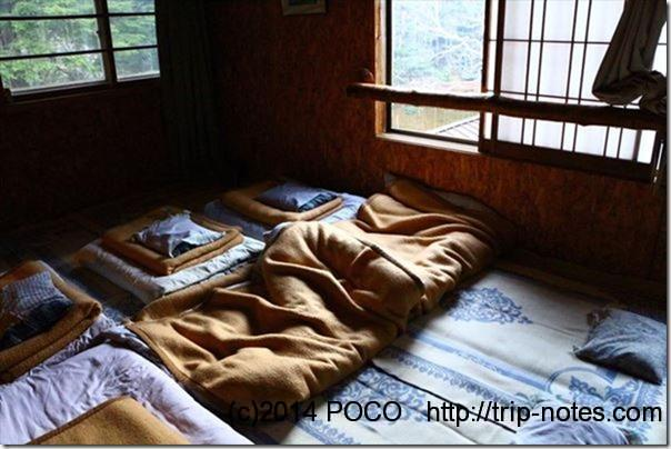 しらびそ小屋寝室