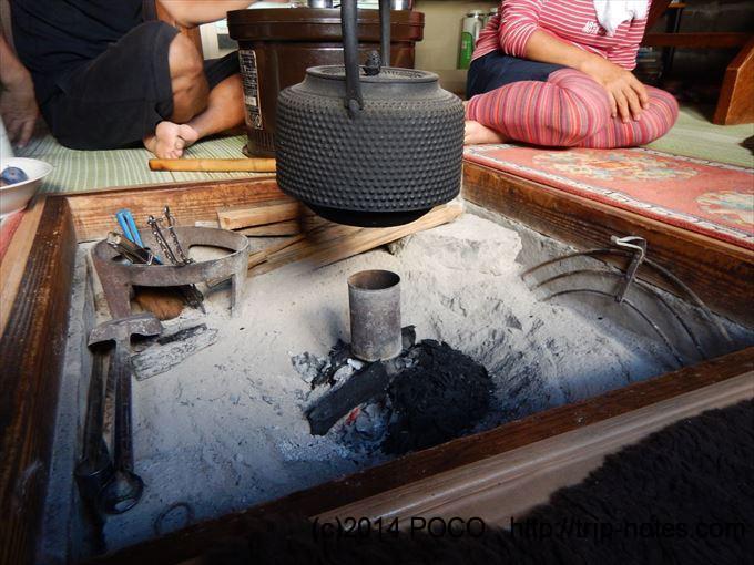 船窪小屋の囲炉裏