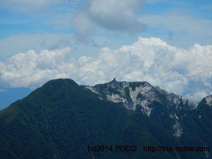 鳳凰三山のオベリスク