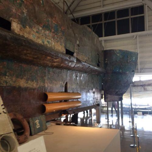 工作船の後方