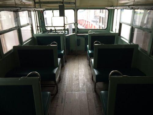 レールバスの車内