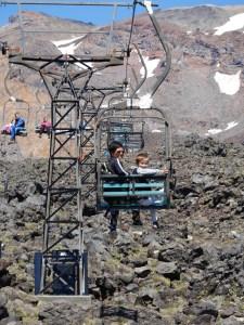 Thuy og Vinzent På vej op af Mt. Ruapehu
