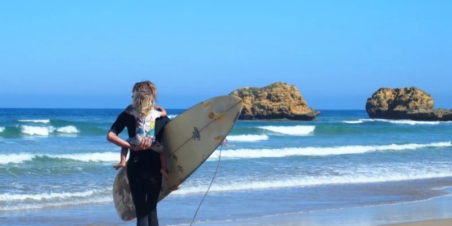 baby surfer - torquay australie - trip and twins