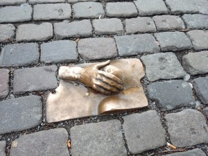 A street sculpture by an anonymous person