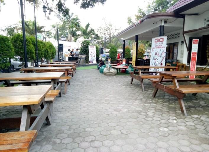 b-one cafe medan