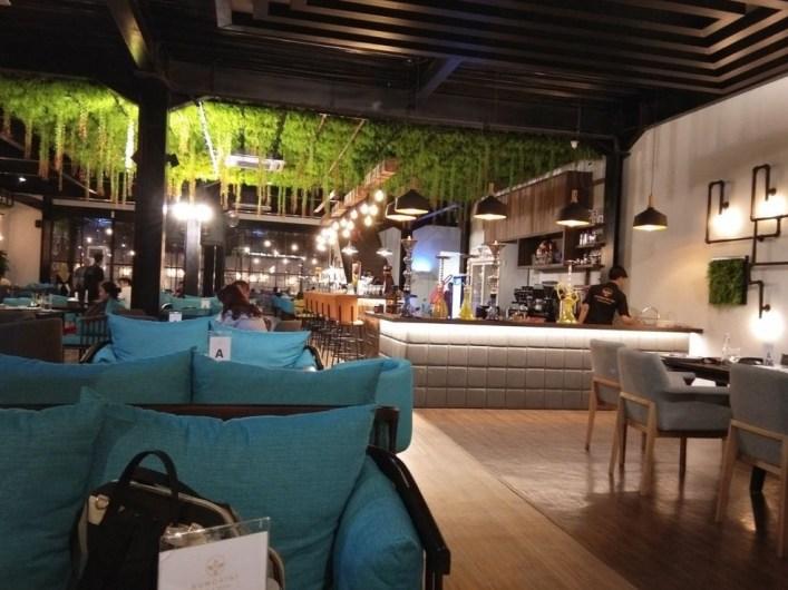 cafe live music surabaya