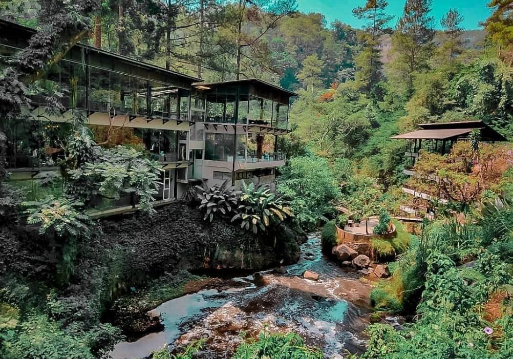 maribaya natural hot spring