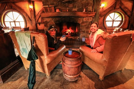 Cheers ! Green Dragon Bar, Hobbiton Movie Set, Matamata
