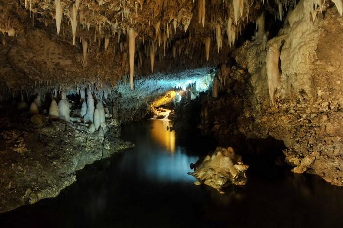 Harrison's Cave lac
