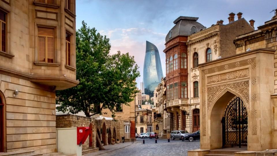 Азербайджанские Авиалинии акция: Билет Москва-Баку за 5 900 рублей!