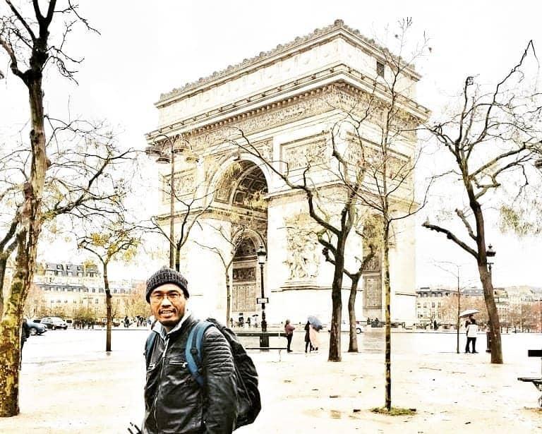6 Destinasi Menarik di Kota Cinta, Paris, Arch De Triomphe