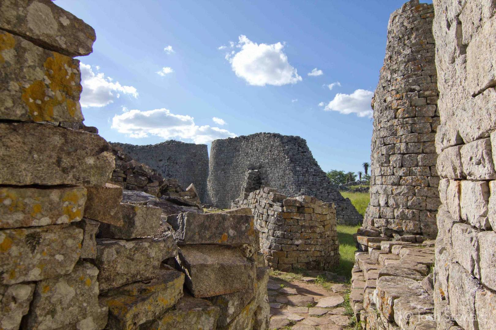 The Mysterious Ancient City Of Great Zimbabwe 187 Tripfreakz Com