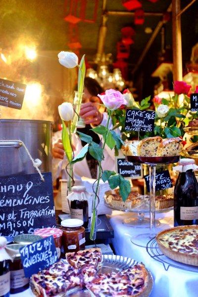 Delicatessen-bakery in Strasbourg serving delicious mandarin Glühwein