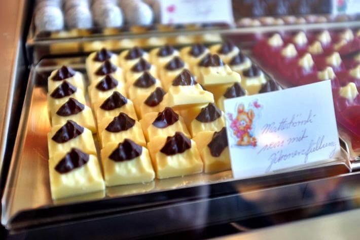 Little chocolates that look like baby versions of the Matterhorn in Zermatt