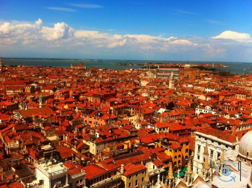 Venice photo gallery red roofs