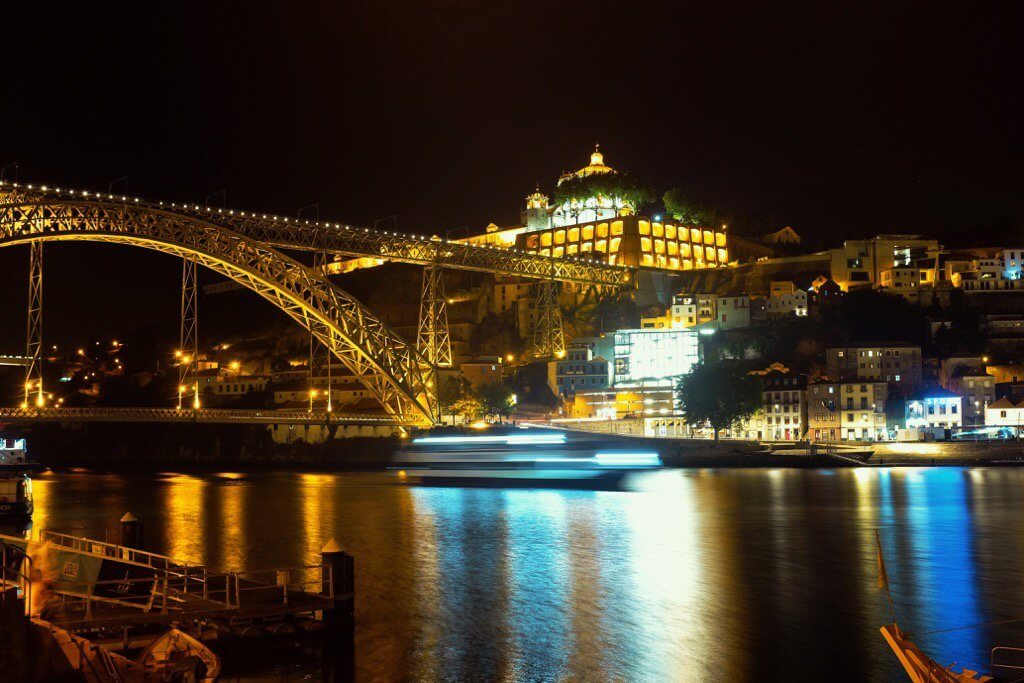 Three days in Porto. Ponte Dom Luis at night
