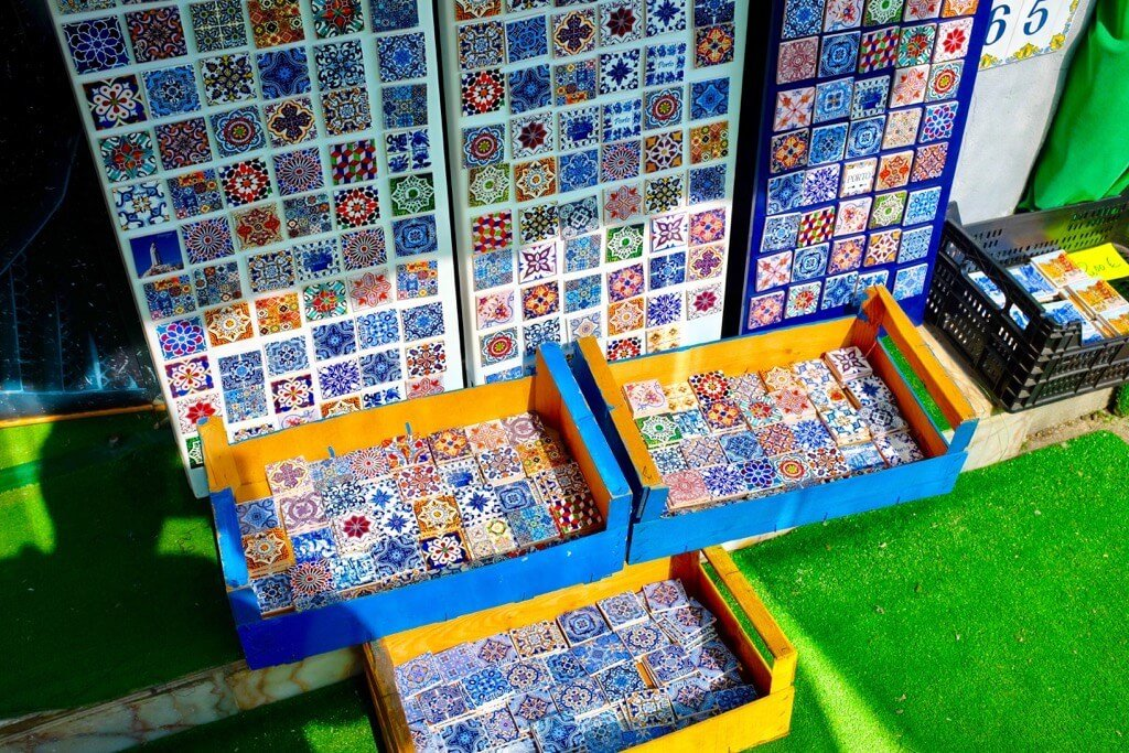 Foodie highlights of Porto, tiles, magnets