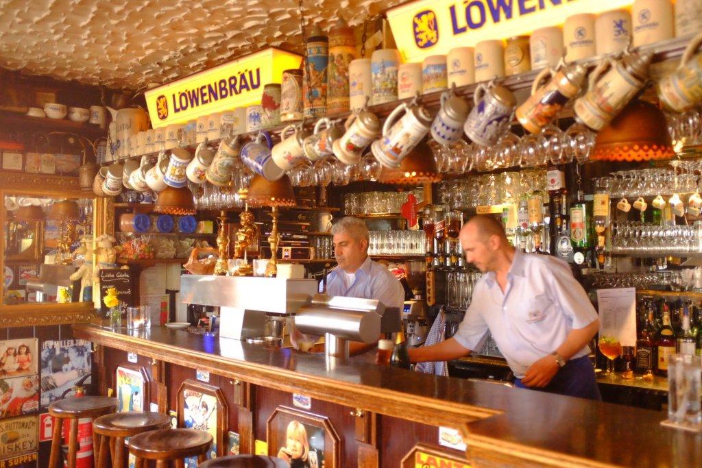 beerhouse pub Köln Köbes Cologne Gallery Trip Gourmets