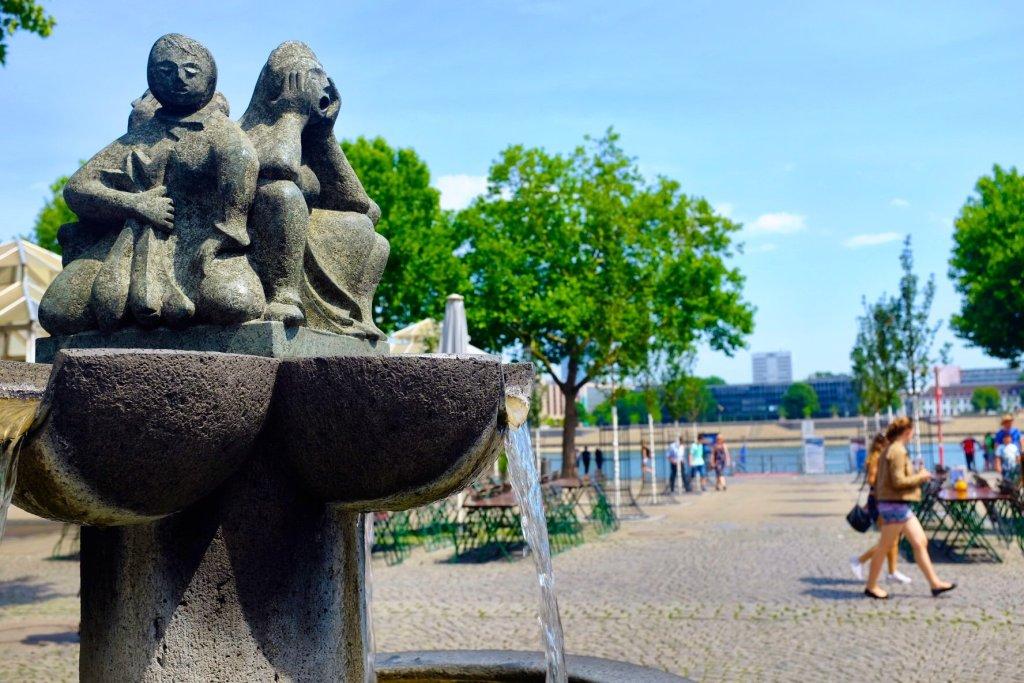 fountain Rhein Köln Cologne Gallery Trip Gourmets