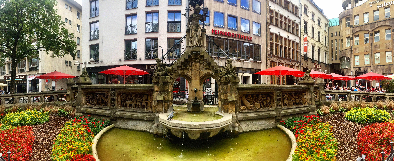 Heinzellmännchenbrunnen Köln fountain Cologne Gallery Trip Gourmets
