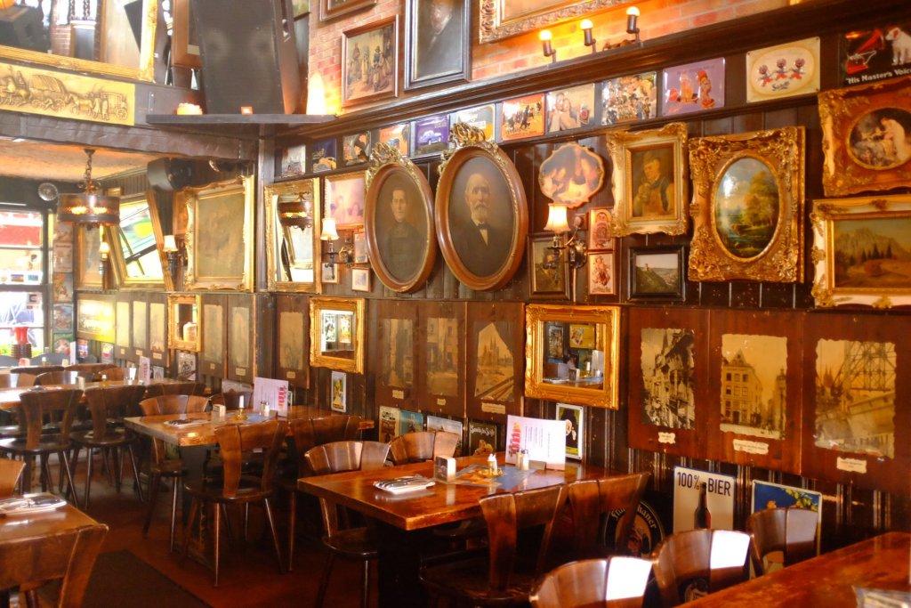 beerhouse paintings Köln Cologne Gallery Trip Gourmets