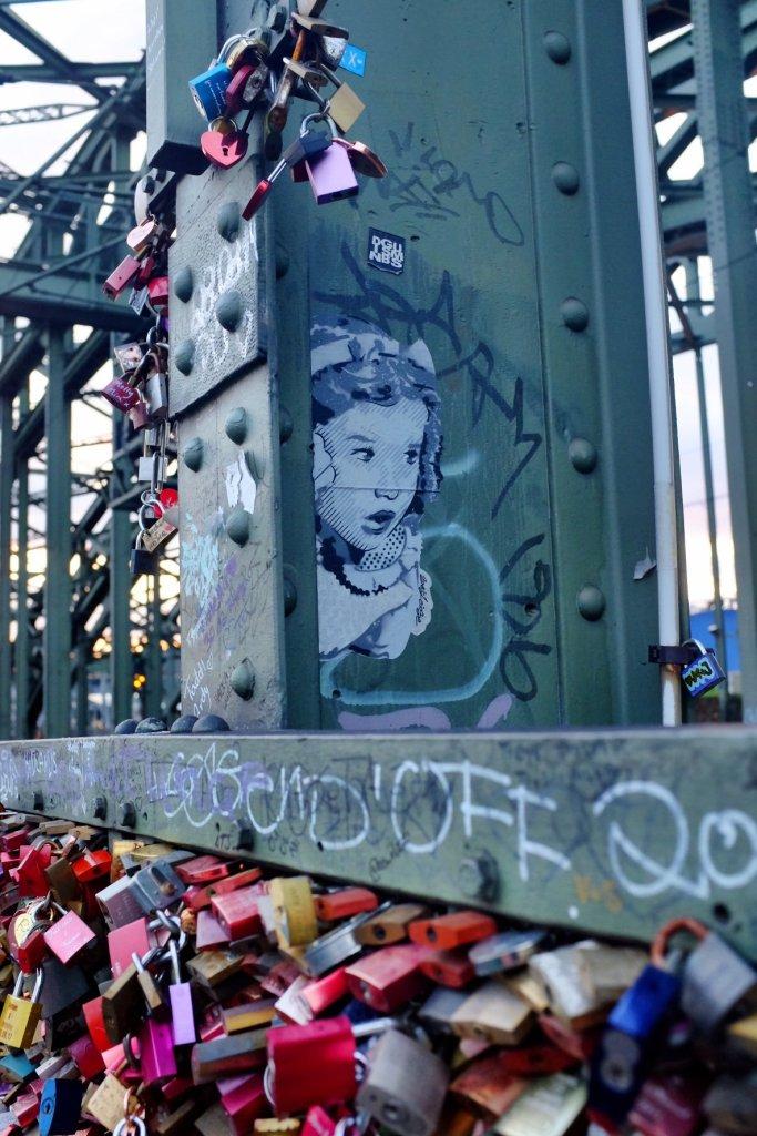 street art lovelocks locks Köln  Cologne Gallery Trip Gourmets