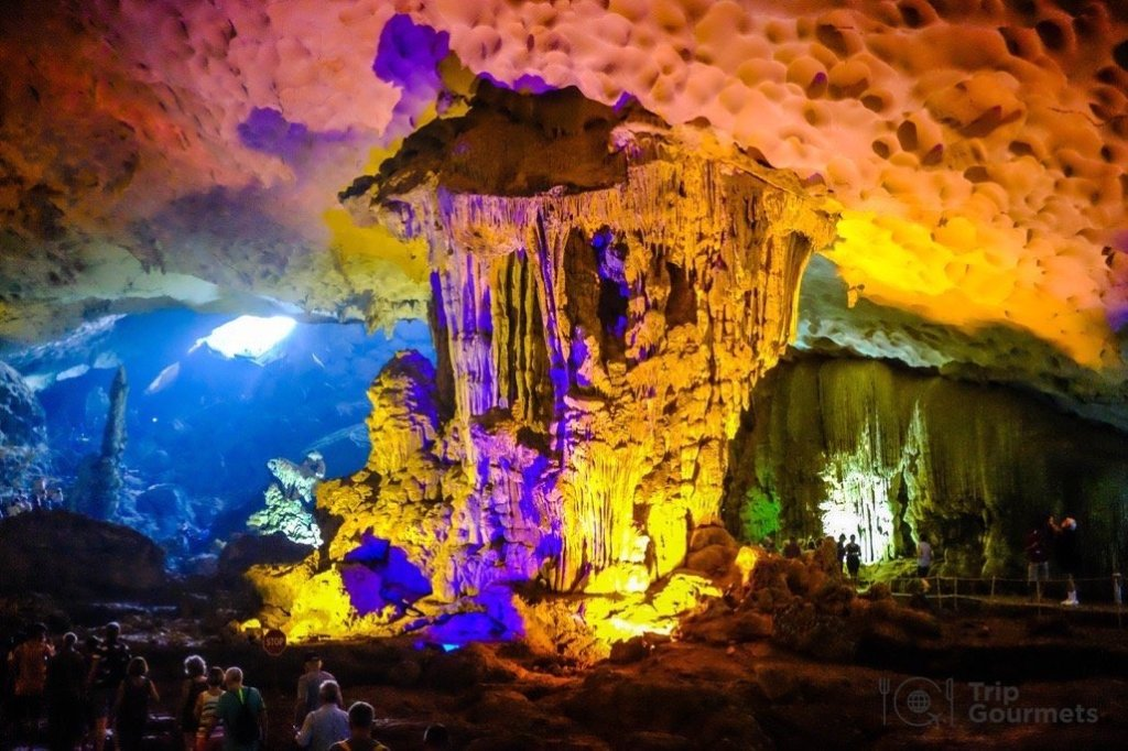 Halong bay cruise review inside cave hang sung sot stalactite