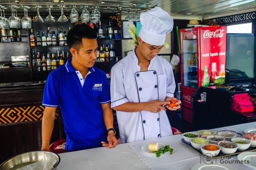 Halong bay cruise review chef spring rolls cooking class