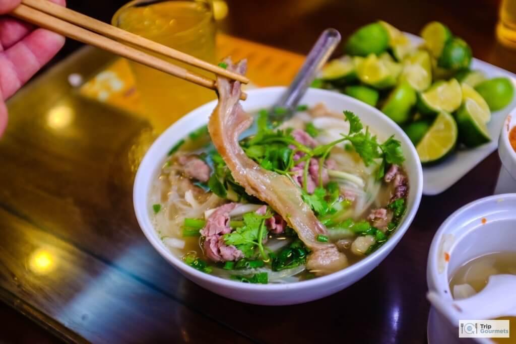 Vietnam 3 week itinerary Hanoi Pho