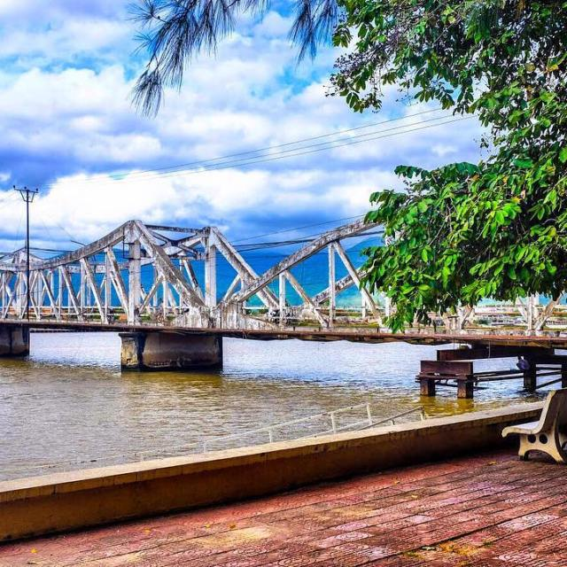 This is the old bridge of Kampot Town Basically everythinghellip